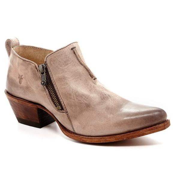 ada0f4644ba66 Frye Shoes | Womens Sacha Moto Shootie | Poshmark